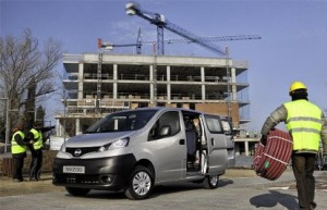 nissan nv200 cabine approfondie 5 places de s rie pour un utilitaire. Black Bedroom Furniture Sets. Home Design Ideas