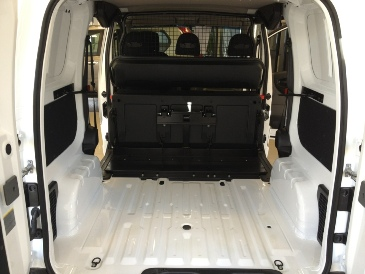 nissan nv200 cabine approfondie 5 places de s rie pour un. Black Bedroom Furniture Sets. Home Design Ideas